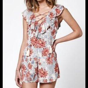 Kendall & Kylie Ruffle Lace Up Romper Floral Small